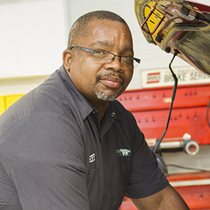 Jerry Battle, Automotive Systems Technology